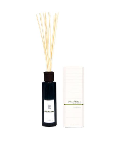 Oriental Essence – tuoksuöljy + tuoksutikut 1